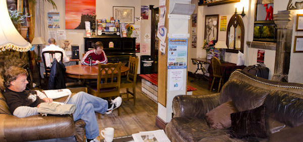 high street hostel common room edinburgh