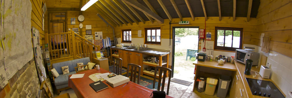 north downs puttenham eco camping barn kitchen