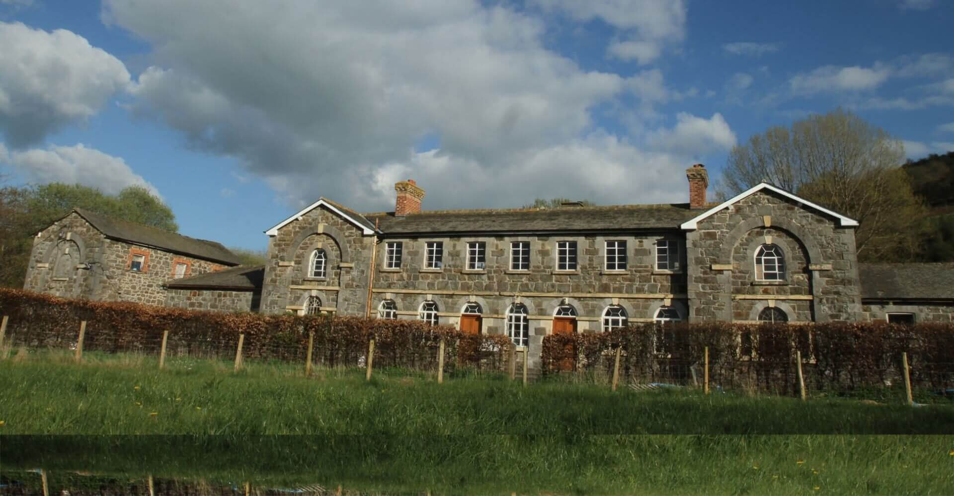 Dolydd workhouse