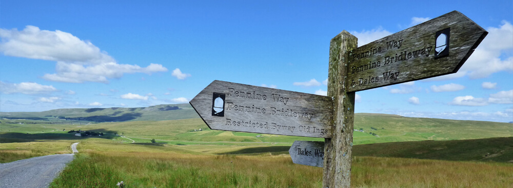 Pennine Way where it crosses the Dales Way