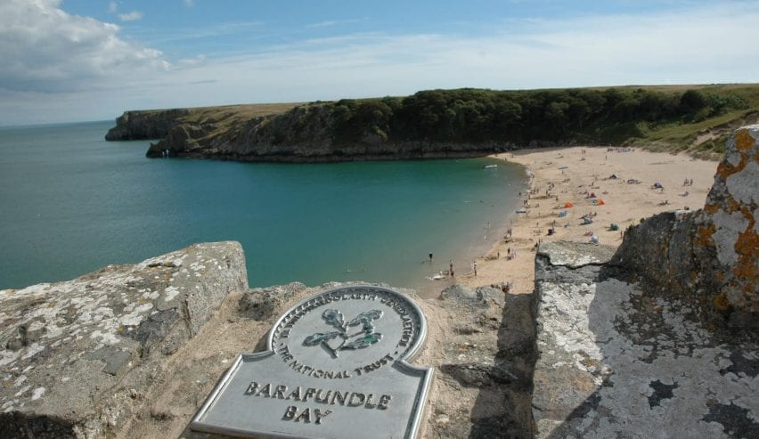 Barafundle Bay Stackpole centre