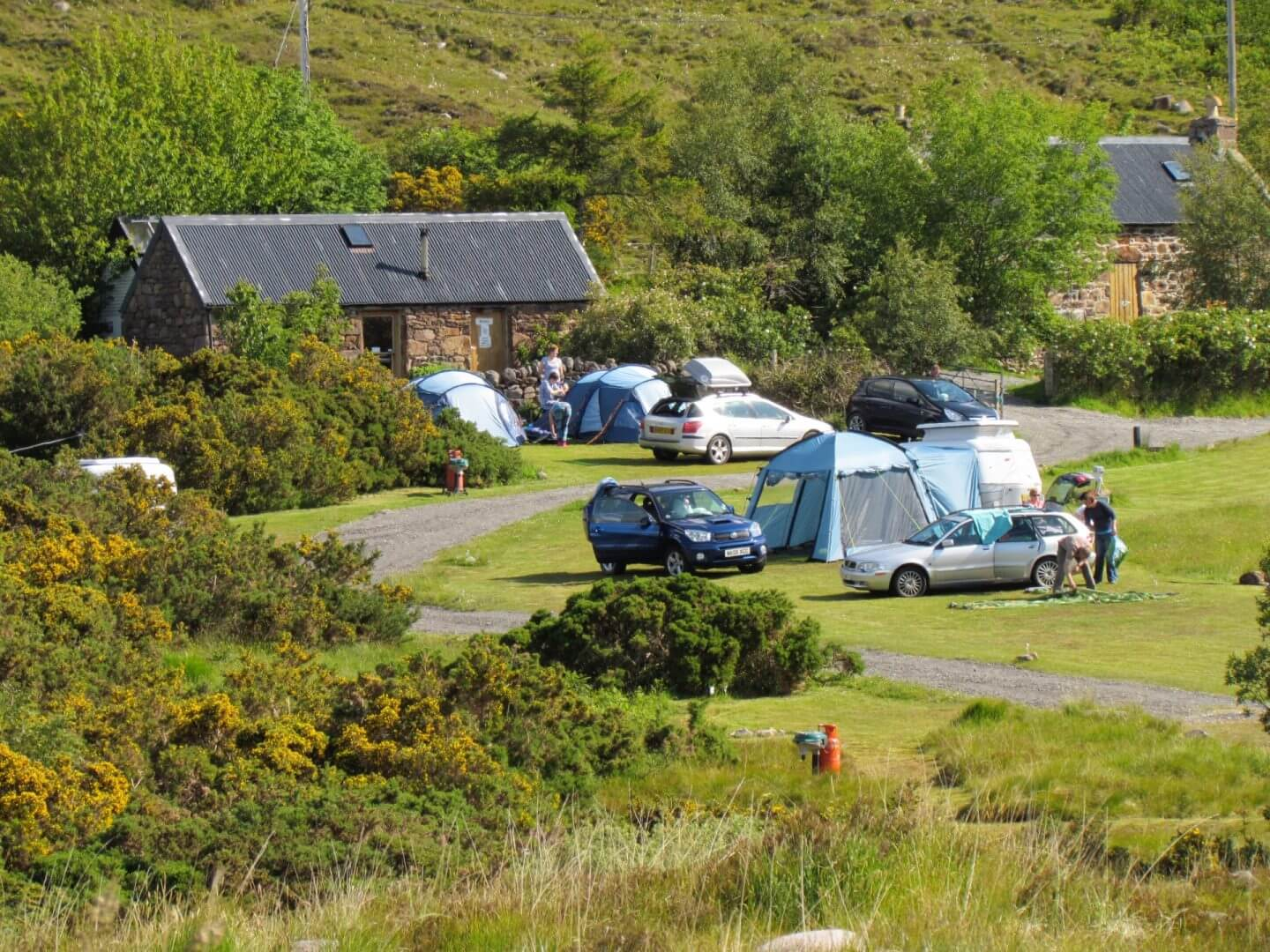 badrallach bothy campsite dog friendly