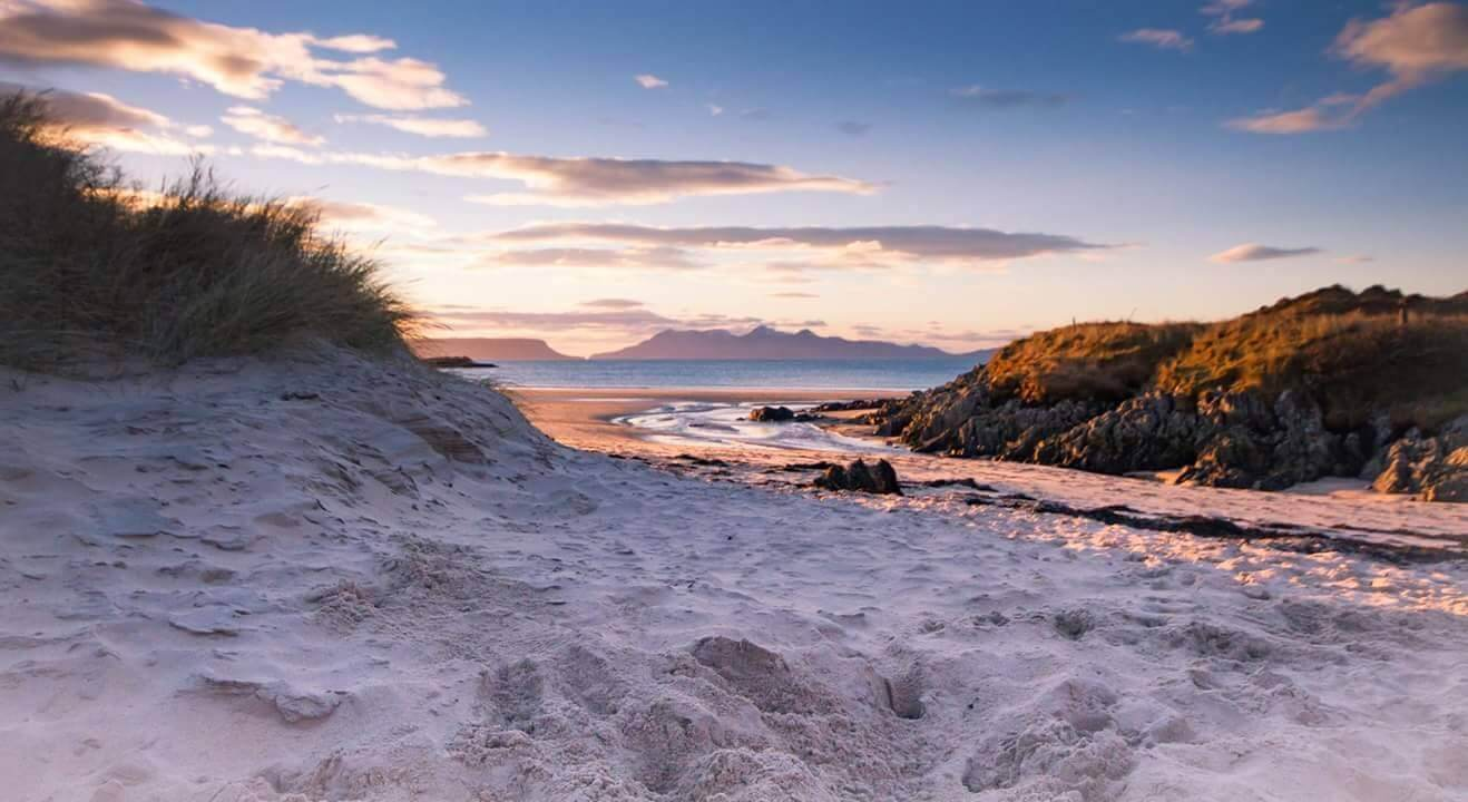 sheenas backpackers coast by mallaig