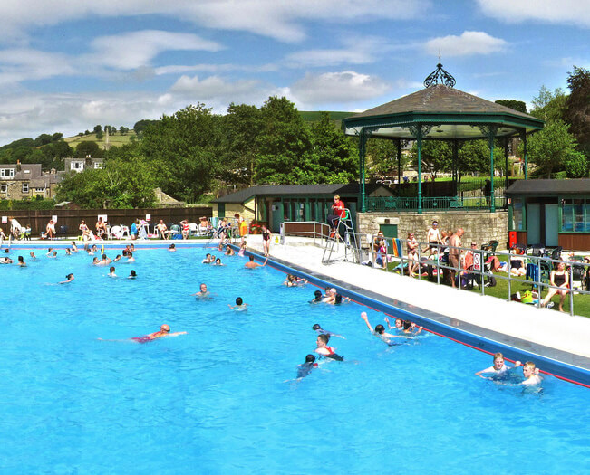 hathersage pool peak district