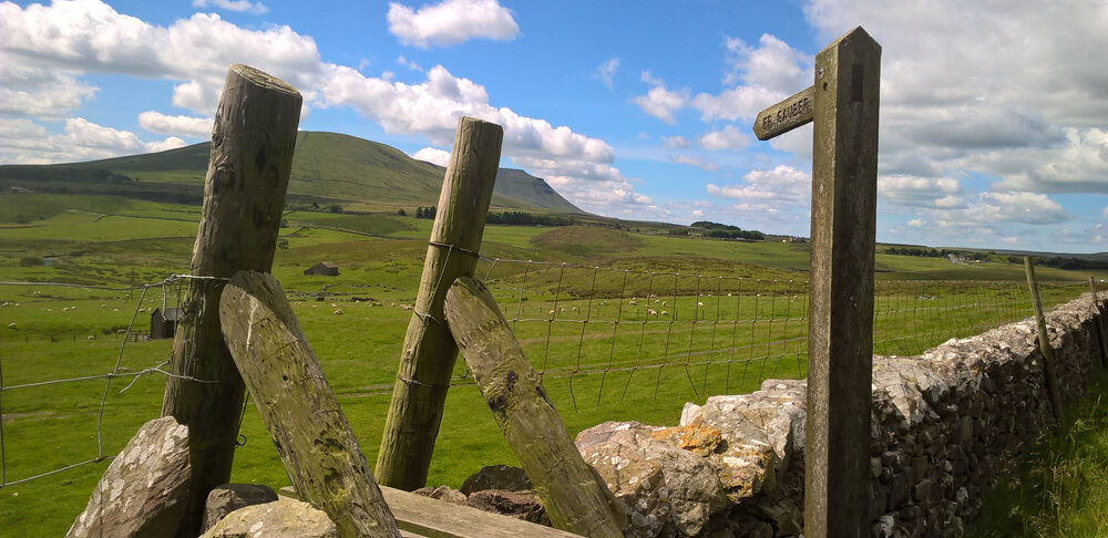 The way to Gauber Bunk Barn from the Dales Way
