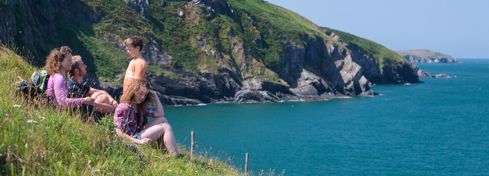 hostels with private rooms for familys in wales