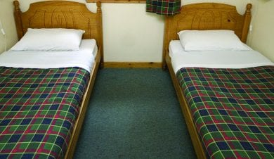 Hostels with private bedrooms By the Way in Scotland