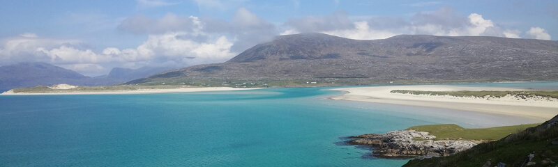 white sand beach on hebrides close to hostel and bunkhouse accommodation