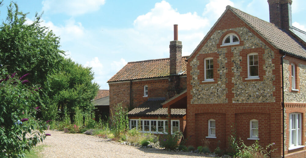 Castle acre youth hostels, the old red lion