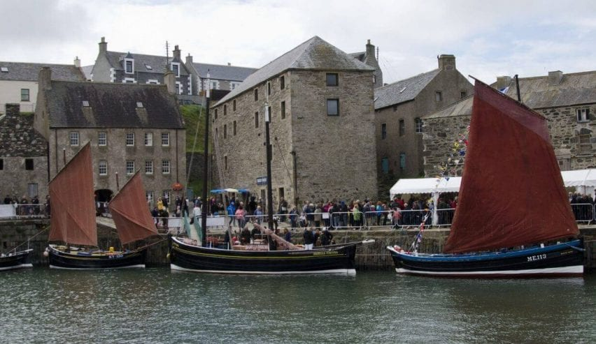 scottish traditioanl boat festival - The Sail Loft Bunkhouse - build your own boat - 4 star bunkhouse