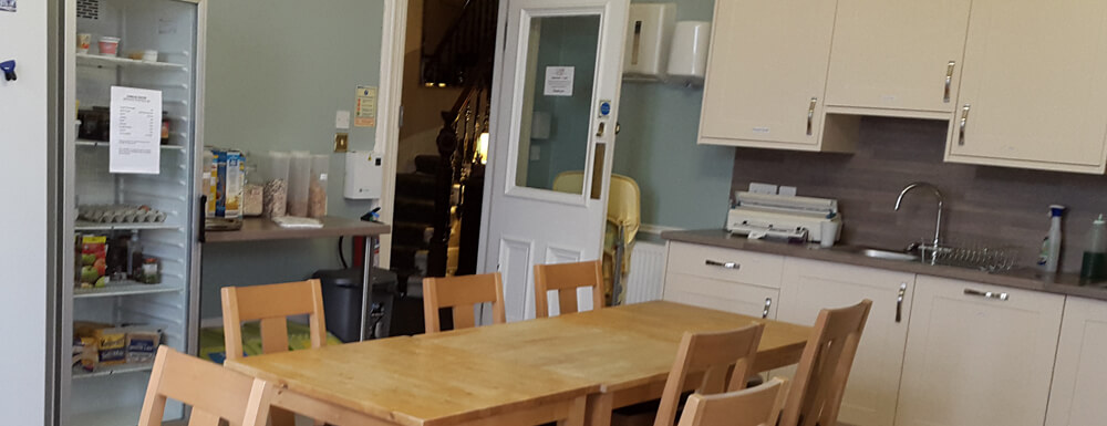 breakfast kitchen at corran house hostel