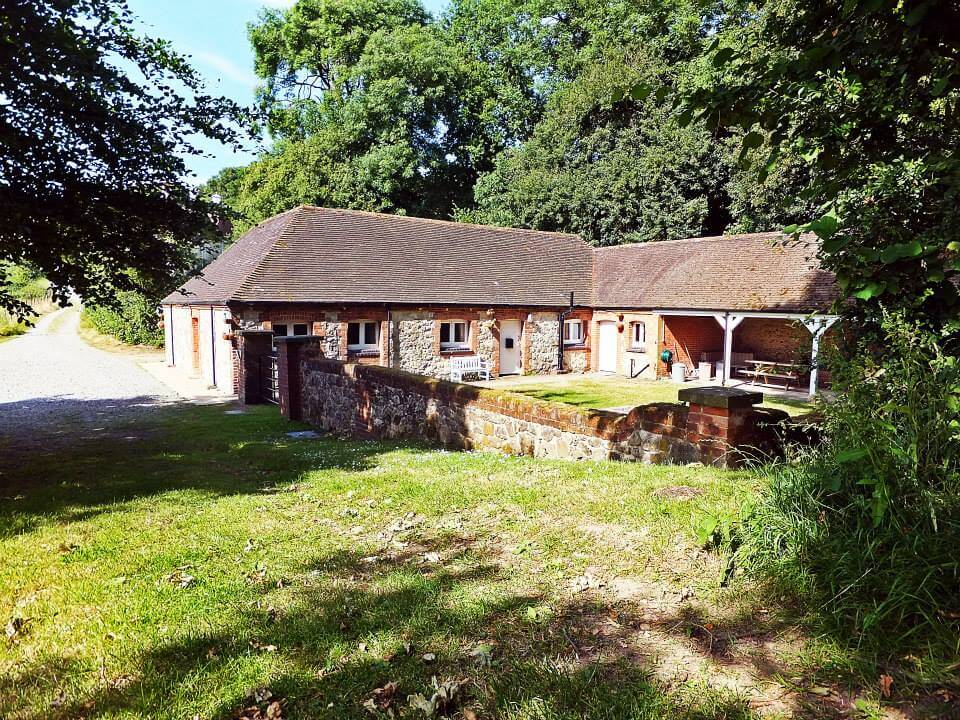 Octavia Hill Bunkhouse - National Trust - Area Of Outstanding Natural Beauty - Kent - Group Accommodation