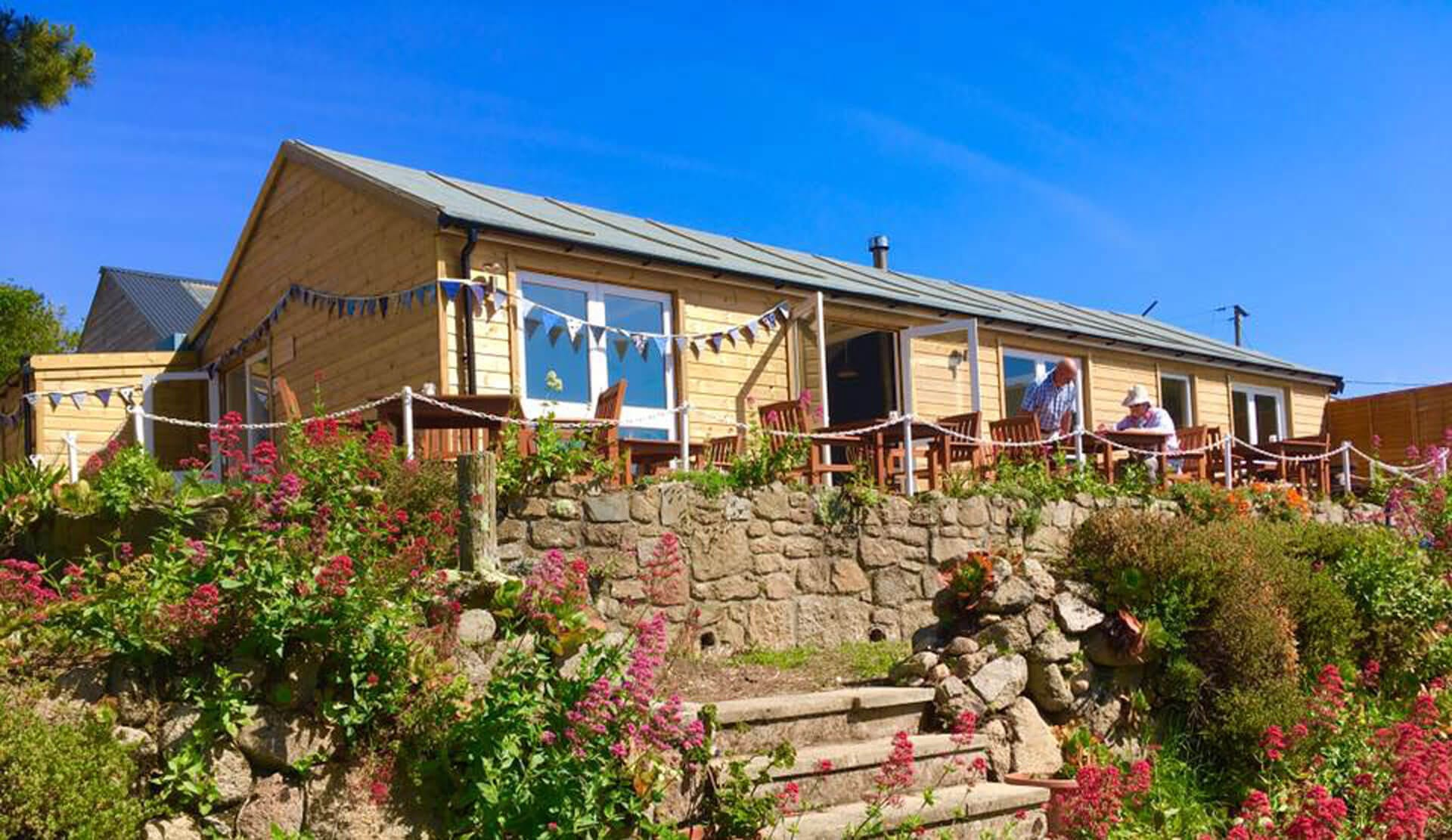 20% OFF WEEKEND DORM STAYS IN JUNE AT LONGSTONE LODGE