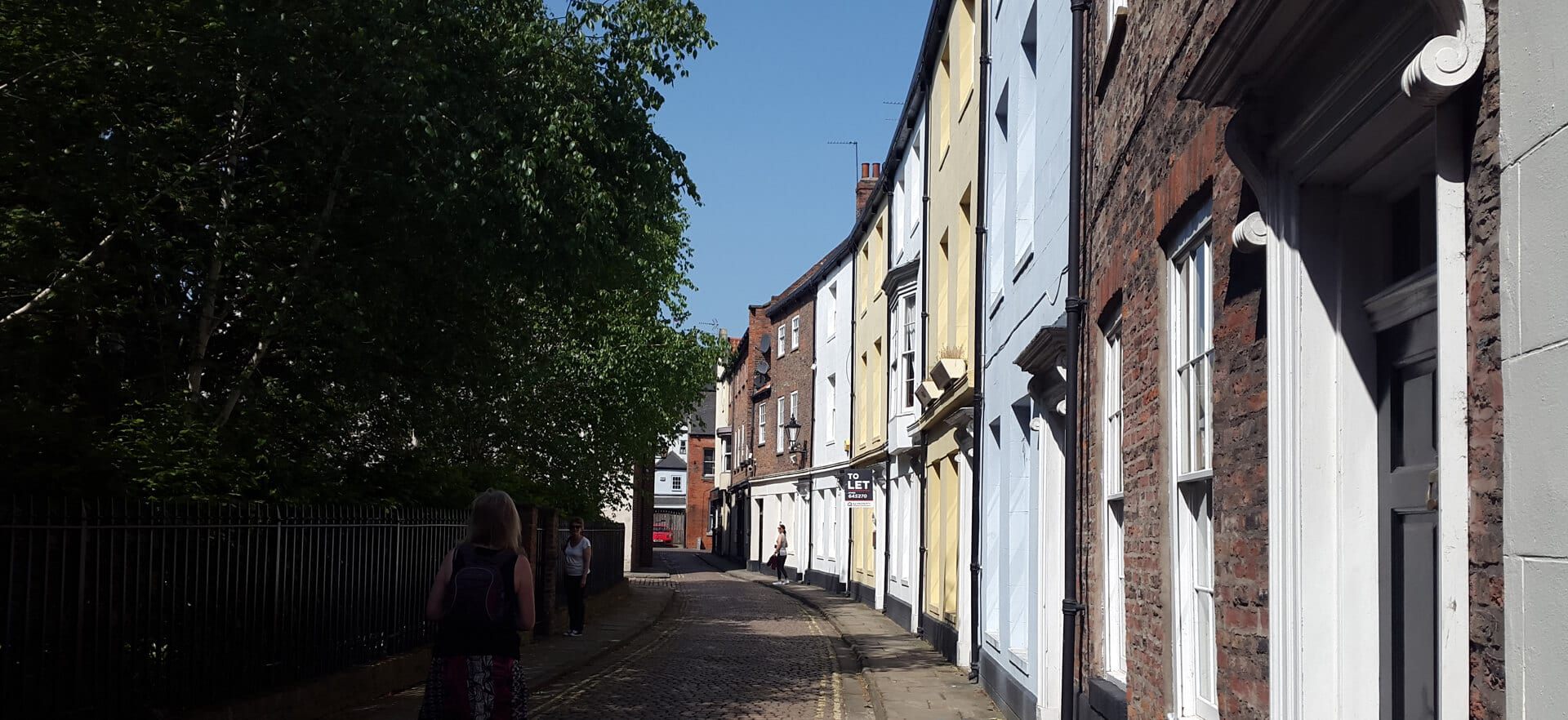 hull old town street