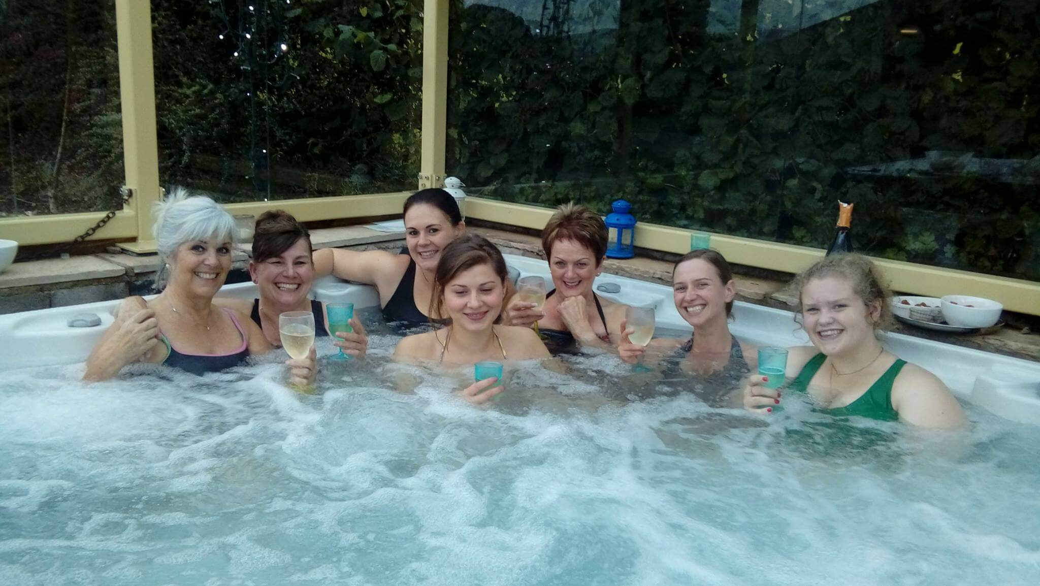 Free hot tub hire for Jan/Feb 2019 weekends