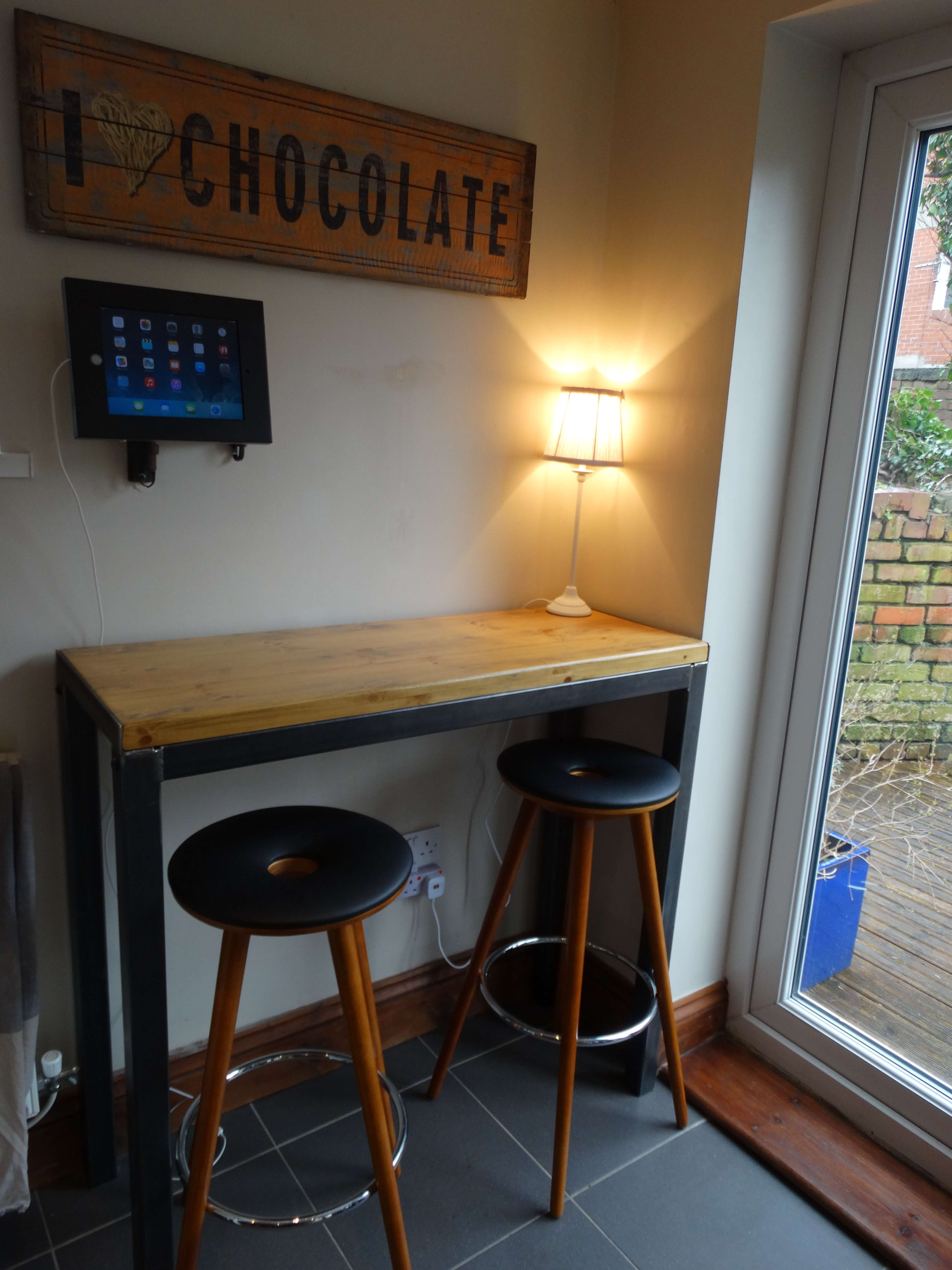 A Cardiff hostel with a bed and breakfast feel