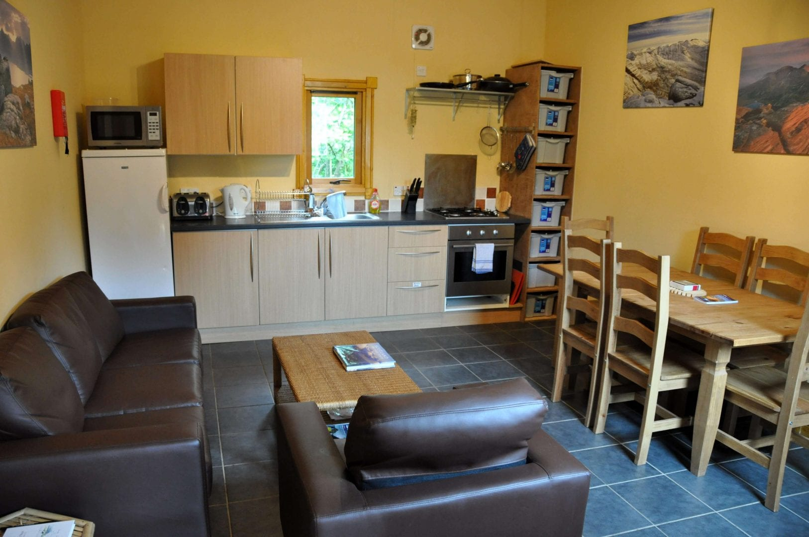The kitchen lounge at Forest Way Bunkhouse