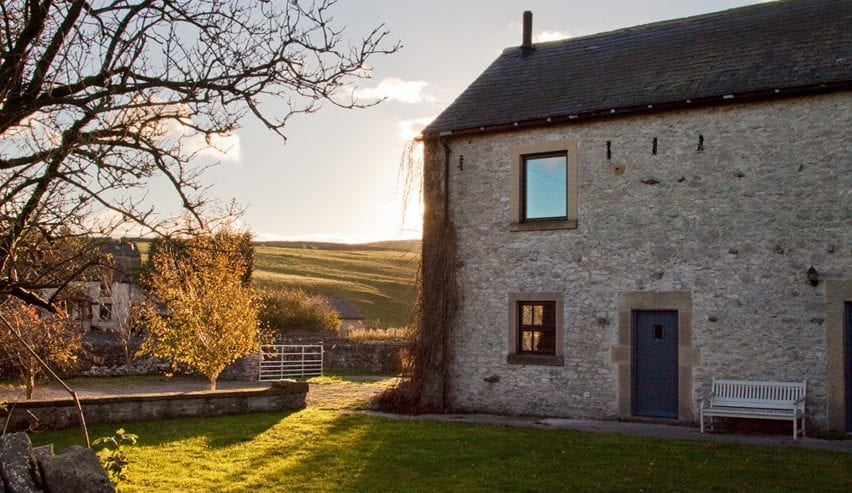 Peak District Holiday Barn Group Accommodation Wardlow Mires Tideswell