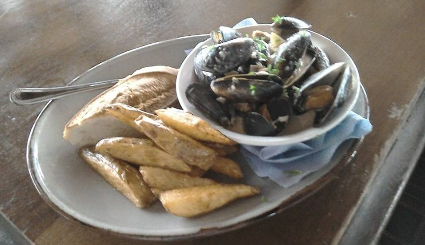 Bunkhouse @ Invershin Hotel and Bar - delicious home cooked meals - local artisan food - muscles