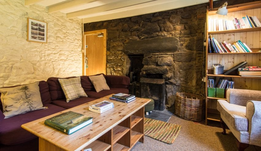 cosy lounge at Glencoe Independent Hostel Scotland