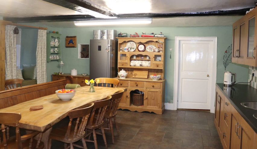 Ashyclyst Farm Hostel kitchen