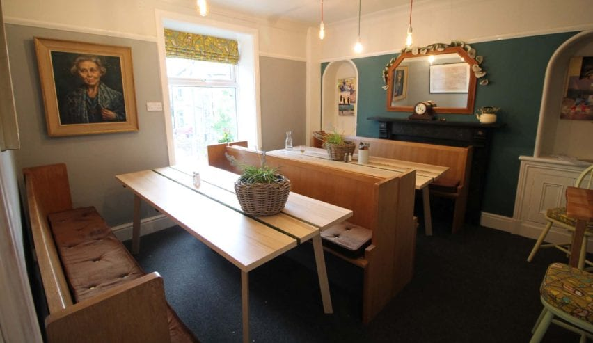 earby hostels dinning room