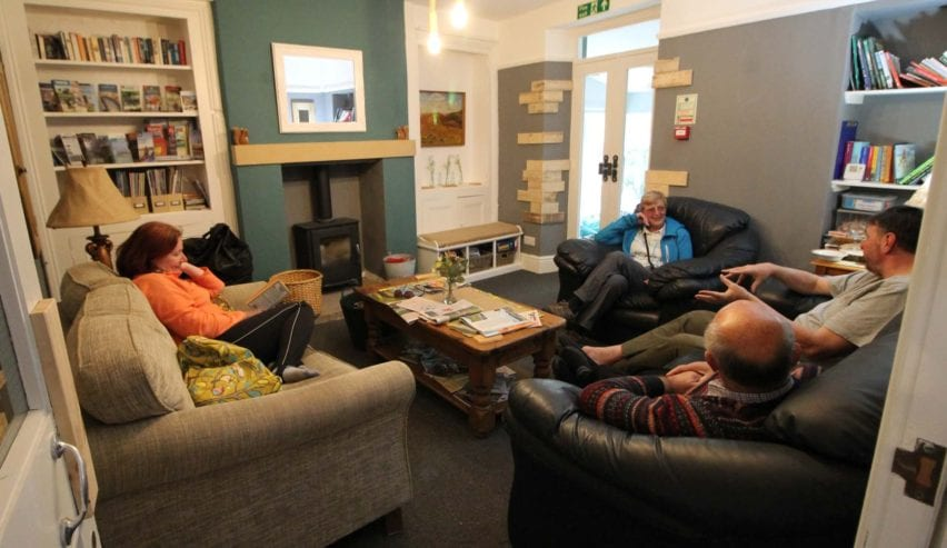 earby hostels lounge