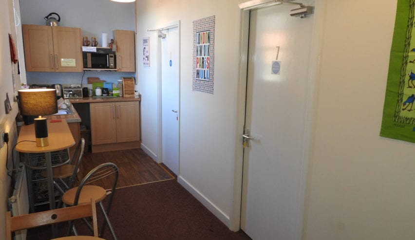 self catering at bedroom at hull trinity backpackers