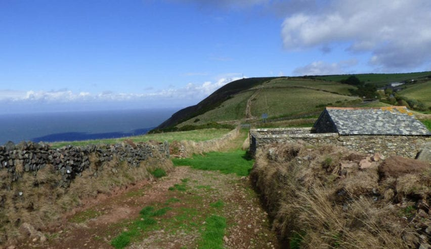 nationaltrust-berry-lawn-linhay bothy available for new year