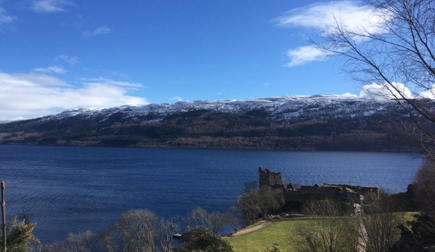 Loch Ness and Urquhart Castle, loch ness backpackers