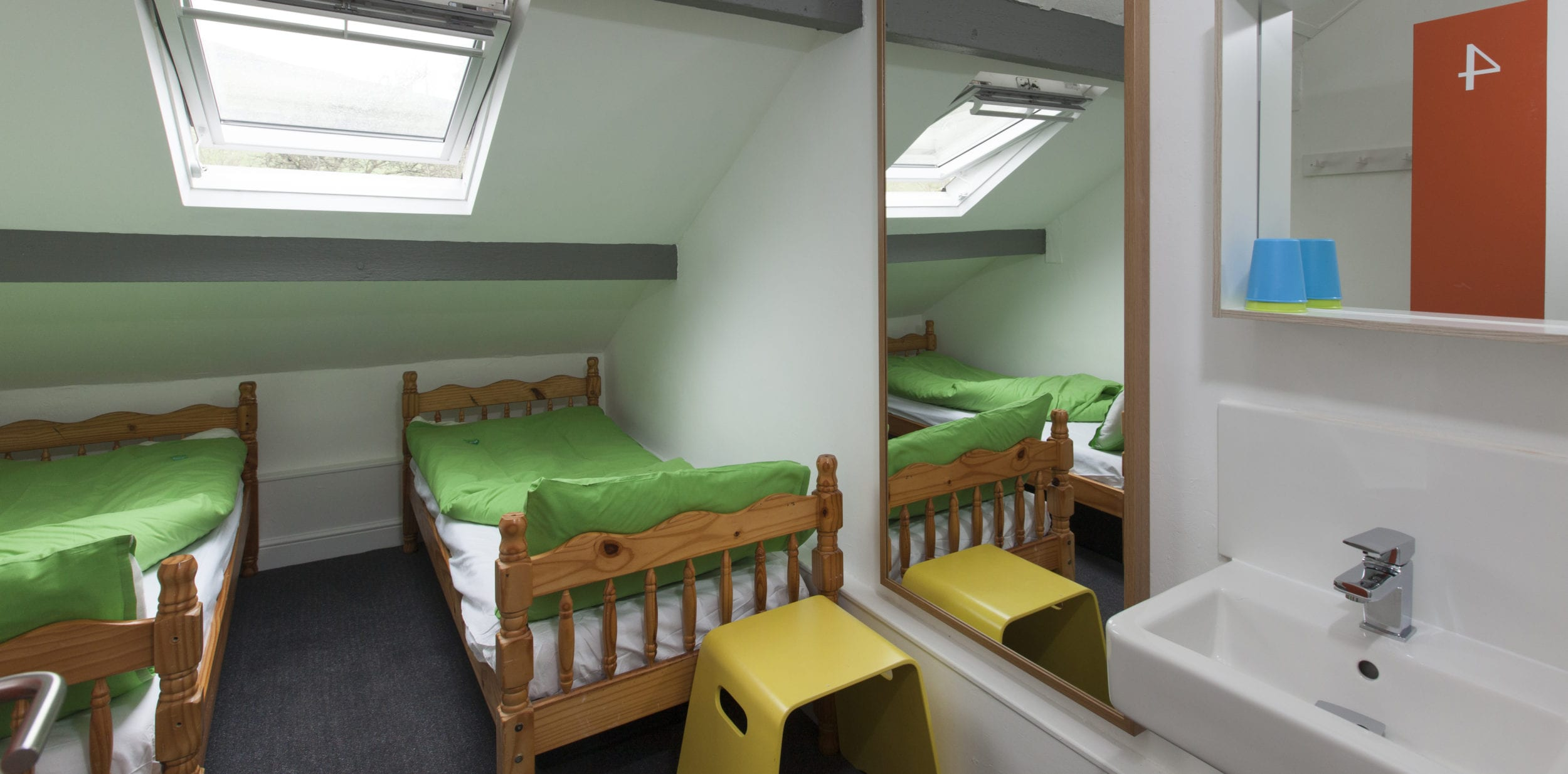 A private twin room at Kettlewell Hostel