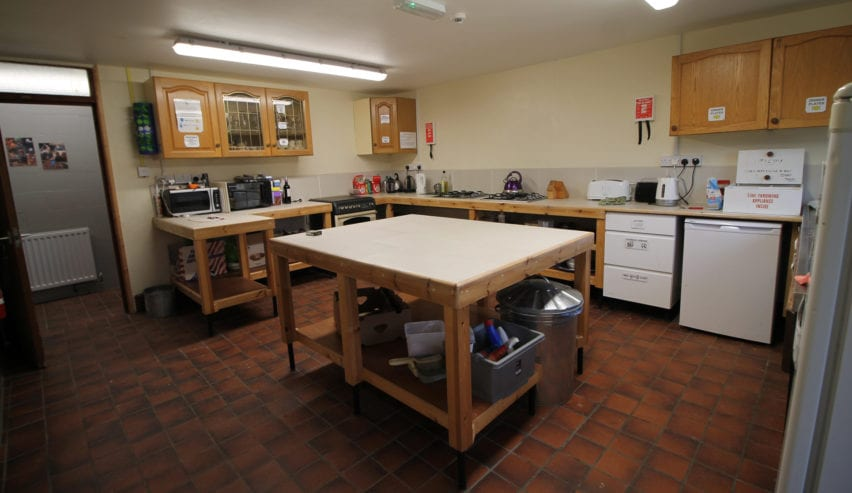 self catering kitchen at mendip bunkhouse