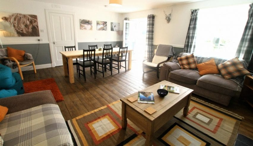 Tay bunkhouse lounge and dining table