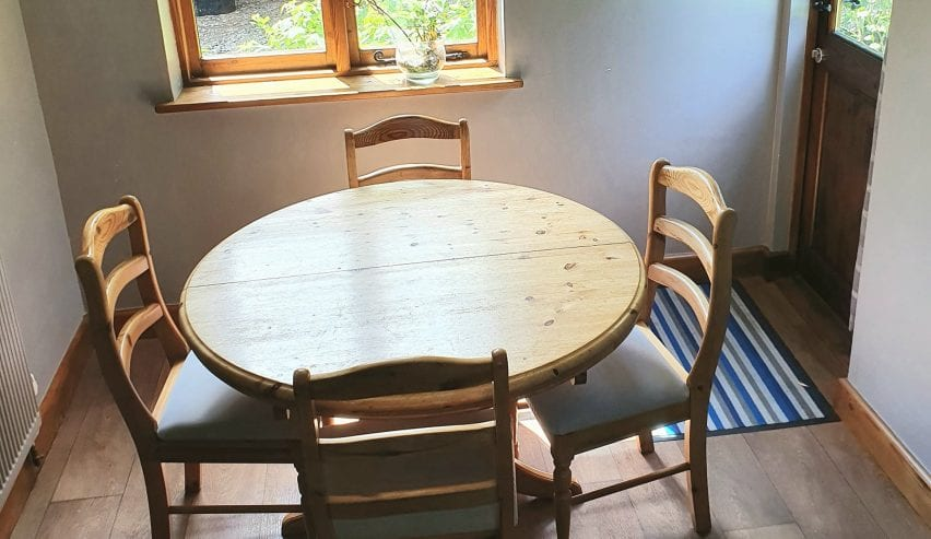 yarde orchard dining table