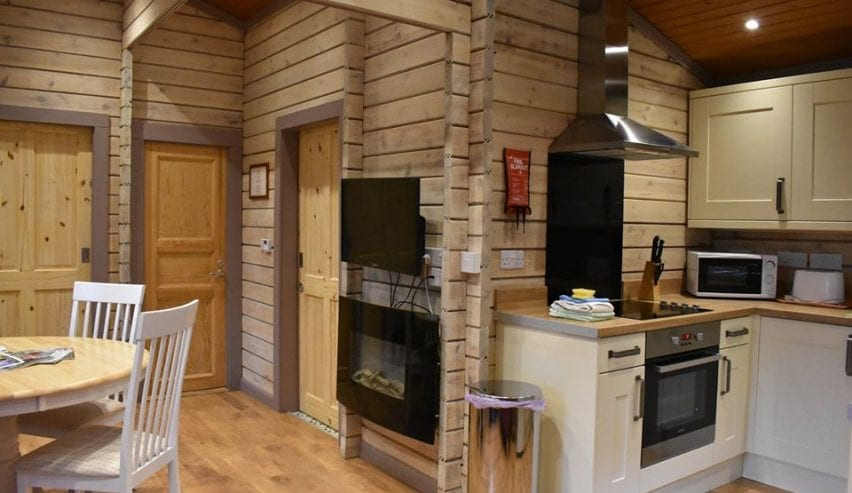 jonas centre cabin self catering kitchen
