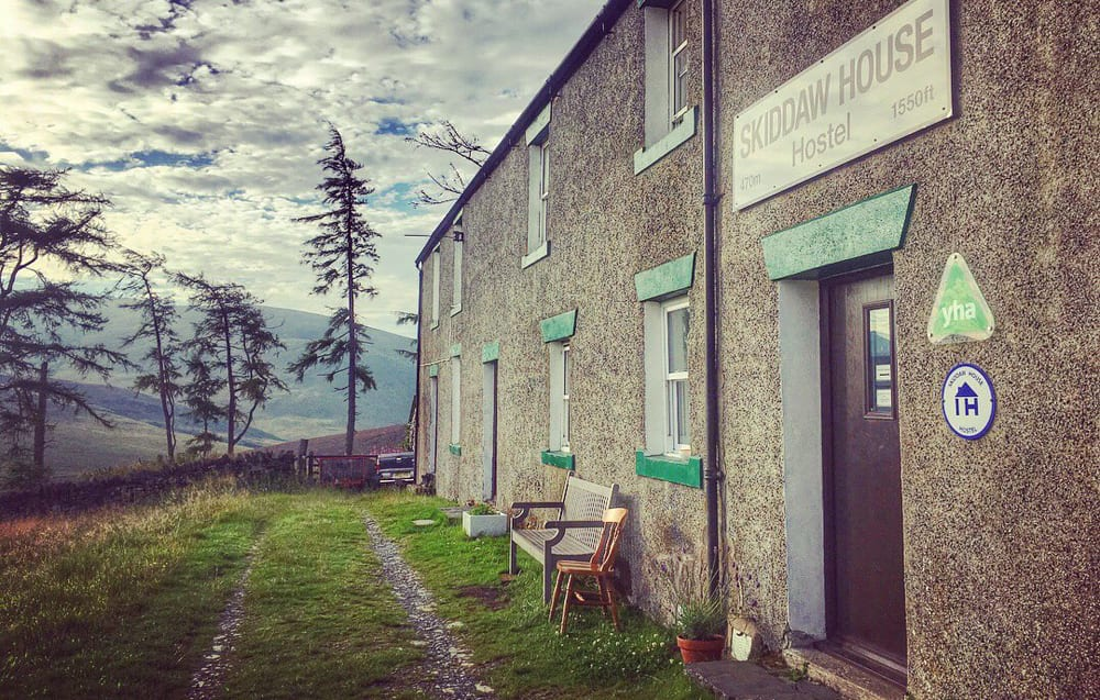 skiddaw house with YHA and Independent Hostels sign