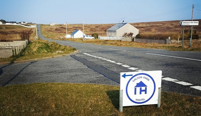 Independent Hostels Sign to Galson Farm Bunk barn