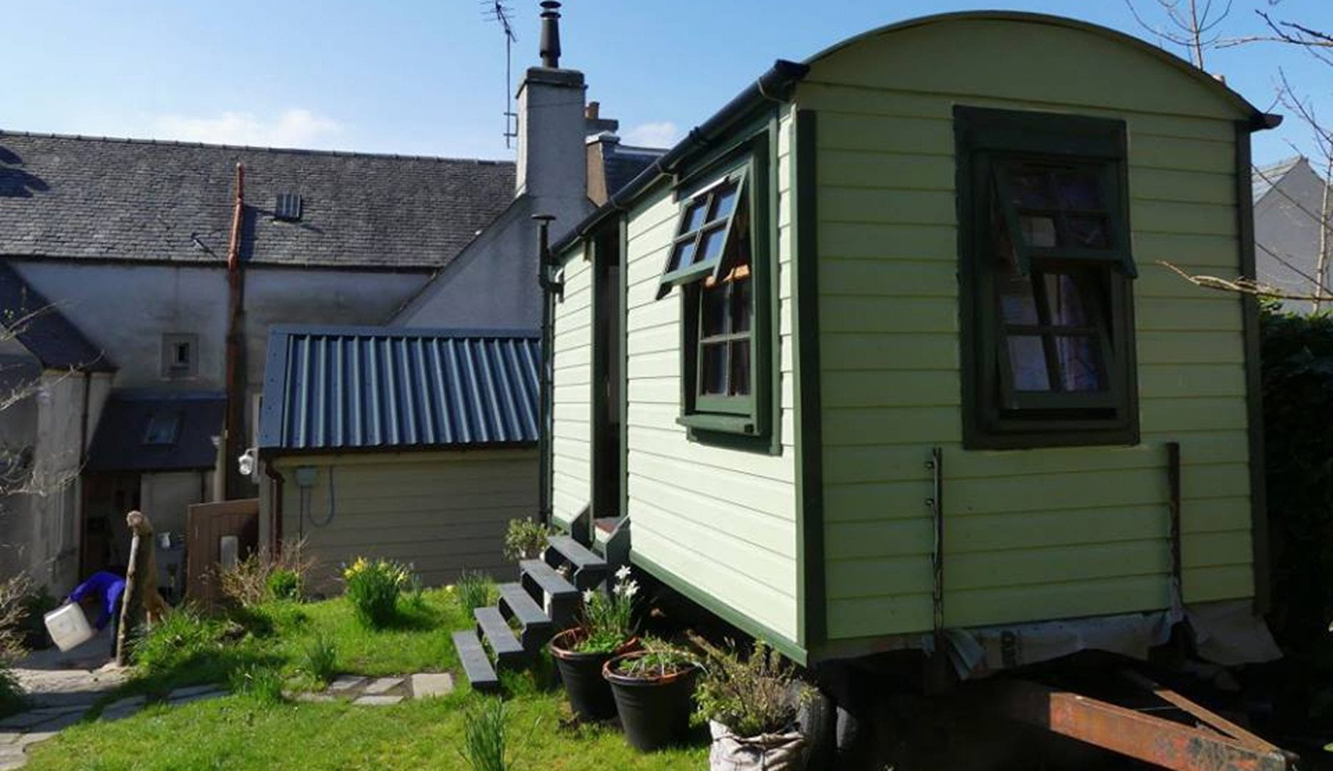 Shepherd's hut. Heb Hostel Isle of Lewis