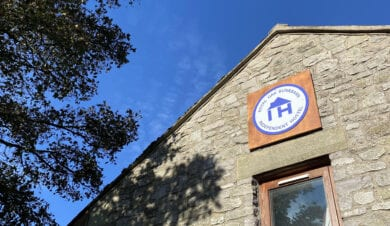 independent hostels sign on the Royal oak bunkhouse in the peak district