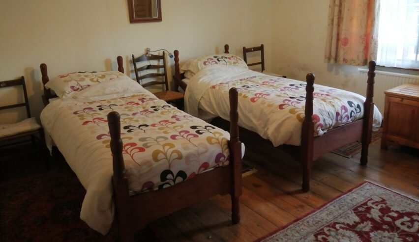 twin room at old red lion castle acre